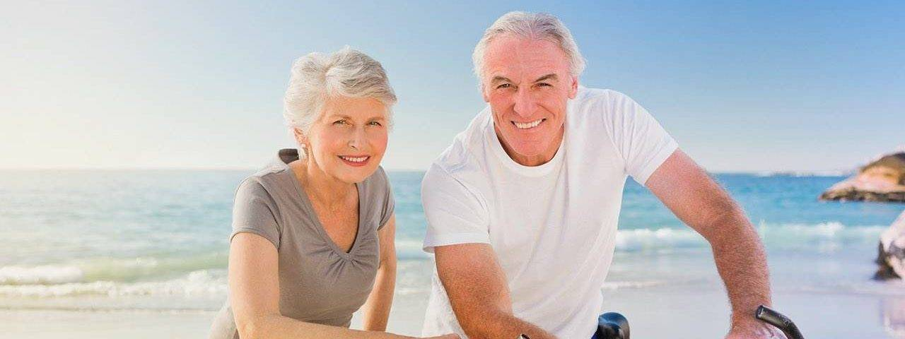 an-old-couple-seaview-bicycle-1280x480
